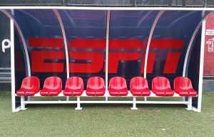 Bancos de Reserva Personalizados para Estádio de Futebol